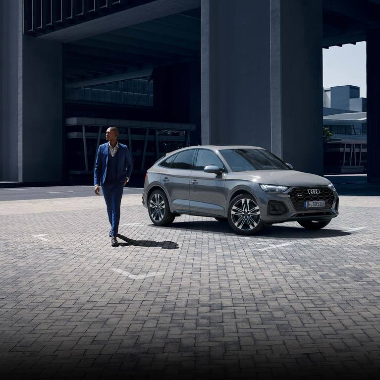 Side-front view Audi SQ5 Sportback