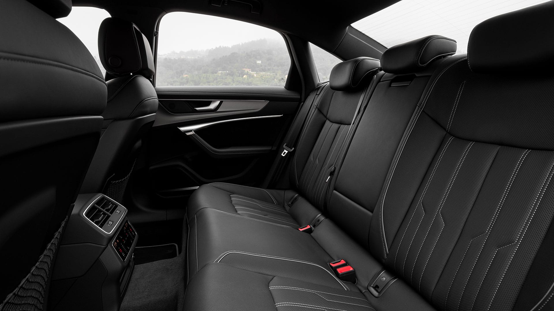 Rear seats in the Audi A6 Limousine 55 TFSI e quattro