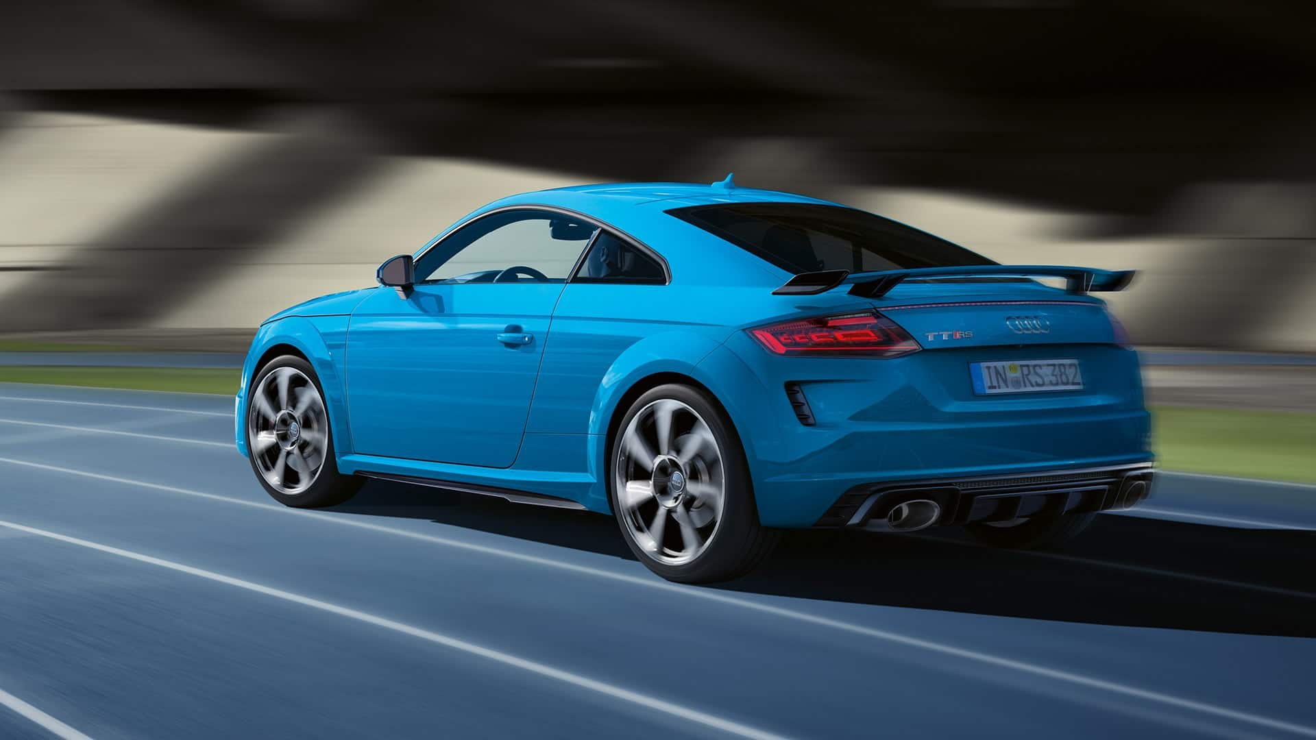 Side and rear view Audi TT RS Coupé